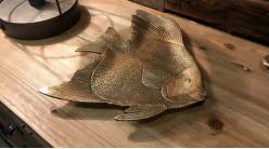 Vacia bolsillo - bandeja decorativa en resina acabado oro viejo con forma de pez, efecto envejecido, 24cm